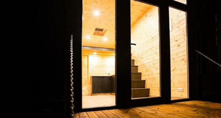 Tiny House 2-4 pers. escalier vers la mezzanine