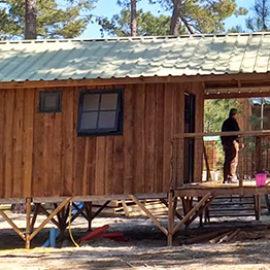 Cabane sur pilotis écolodge hébergement insolite tout confort